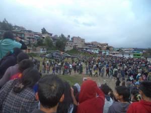 Pobladores de Bambamarca, apedrearon el helicóptero  de la comitiva del Presidente de la República, Ollanta Humala. Foto: Difusión Aguita de Dios.